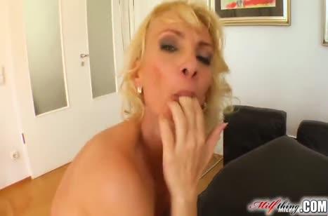 Красивая нимфетка блондинка отдается на двойное проникновение #4