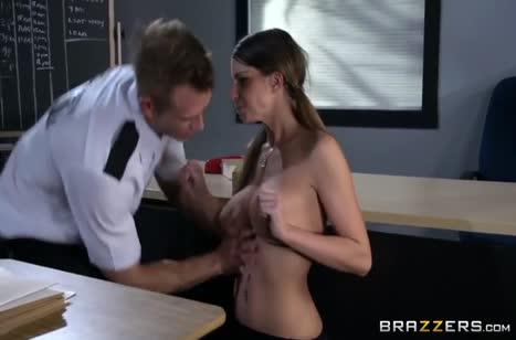 Brooklyn Chase попалась охраннику и он трахнул ее в жопу #5