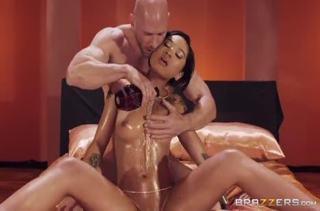 Гламурная Honey Gold в масле жестко спаривается с лысым #1