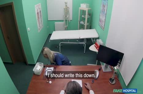 Пошлая Nathaly Cherie снимает оргию с доктором на камеру