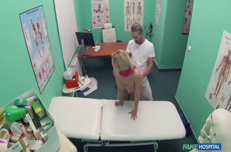 Пошлая Nathaly Cherie снимает оргию с доктором на камеру #4