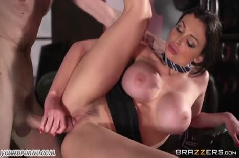 Сексуальная шлюшка Aletta Ocean предпочитает большие размеры #5