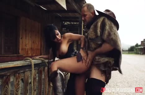 Секси ковбойшу Canela Skin трахают на диком западе #3