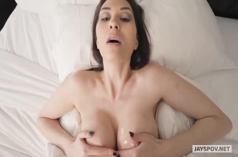 Жена с большими сиськами согласна на порнуху от первого лица #2