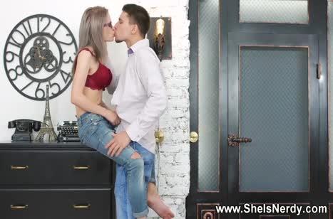 Пикапер быстро охмурил Herda Wisky на романтический секс #2
