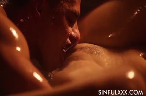 Мужик красиво полирует киску влажной красотки Antonia Sainz #3