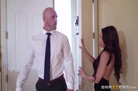 Madison Ivy порадовала любовника откровенным фетиш нарядом #2