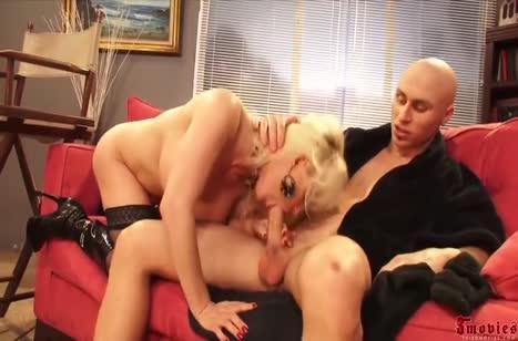 Diamond Foxxx извивается от жесткого секса с лысым ухажером #2