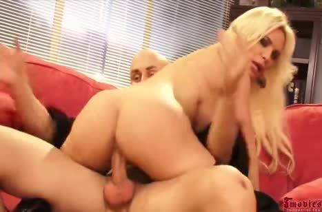 Diamond Foxxx извивается от жесткого секса с лысым ухажером #3
