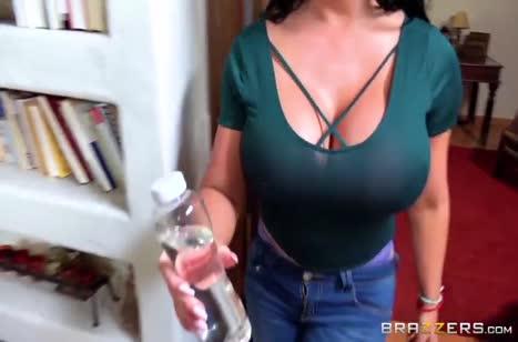Пухленькую Sybil Stallone дрюкнули в жопу на массаже