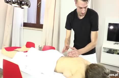 Бабенки устроили с мужиком групповуху на массаже #2