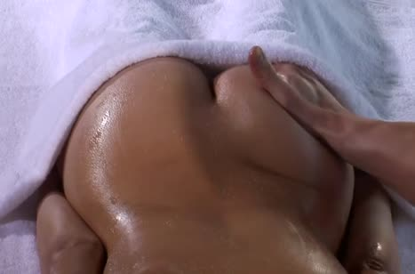 Симпотная Lexi Bloom не устояла перед соблазном массажиста #3