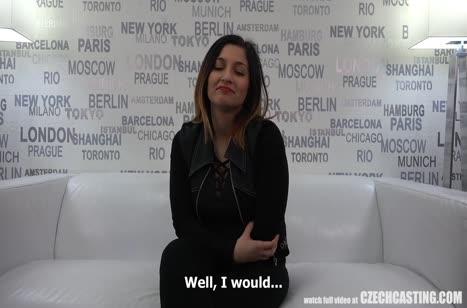 Деваха с аппетитной задницей показала свои порно умения #2