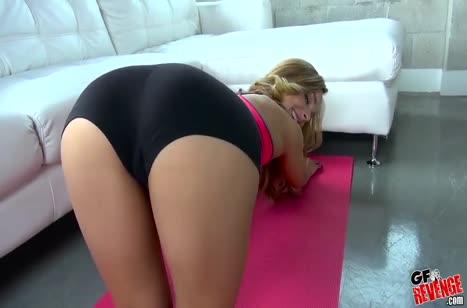 Блондинка спортсменка испытала большой член и сперму на лицо #2