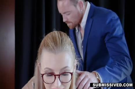 Секретутка Alexa Grace напрашивается на трах с боссом #2
