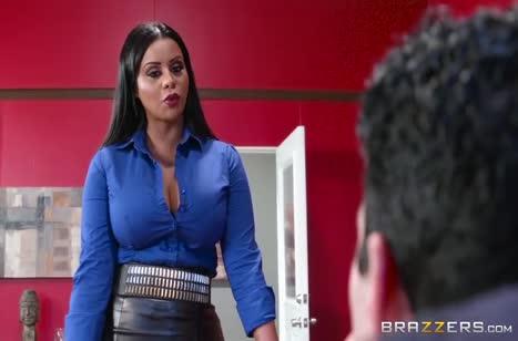 Сисястая Mary Jean залезла в штаны к своему боссу #1
