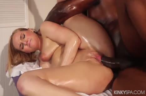 Блондинке понравился секс массаж от африканца #6