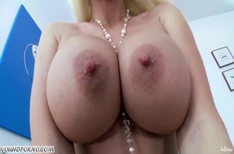 Фигуристая Summer Brielle с огромной грудью любит мастурбировать #3
