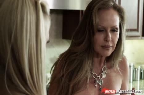 Горячая мамочка Lisa Ann любит жесткий перепихон