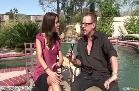 После интервью Tabitha Stevens совратила на секс репортера