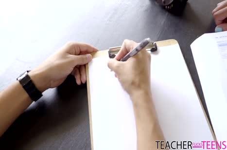 Зрелая мамка Eva Long обучает молодого пацана сексу